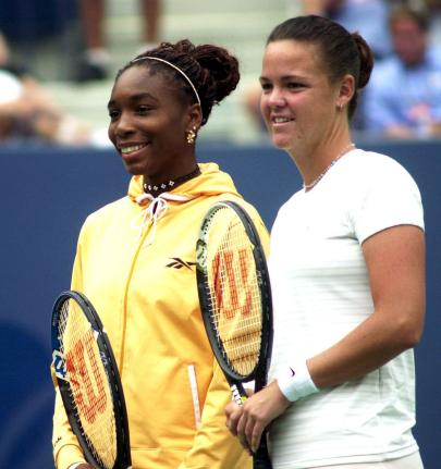 Venus Williams (L) and Lindsay Davenport on September 9, 2000 at the U.S.Open in New York. (UPI Photo/Ezio Petersen/File)