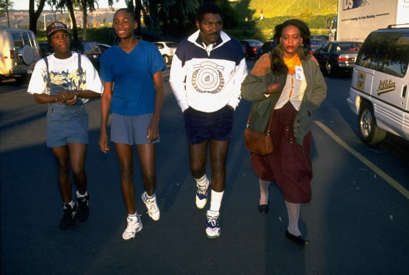 UNITED STATES - OCTOBER 31: Tennis: Bank of the West Classic, (L-R) Serena Williams, Venus Williams, father Richard, and mother Oracene before Venus's professional debut at Oakland-Alameda County Coliseum Arena, Oakland, CA 10/31/1994 (Photo by Brad Mangin/Sports Illustrated/Getty Images) (SetNumber: X47224)